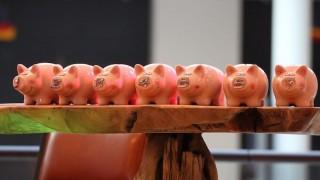 公務員がお金を借りるなら銀行と消費者金融のどっちが良い?