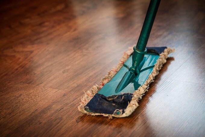 清掃作業員が初めてカードローンでお金を借りるときの借入方法