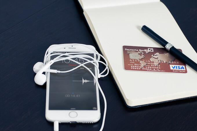クレジットカードとカードローンの違い