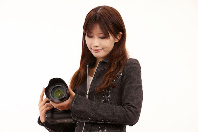 カメラ女子デビューで一眼レフを今すぐ欲しいならカードローン