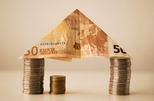 銀行と消費者金融どちらも良い点がある