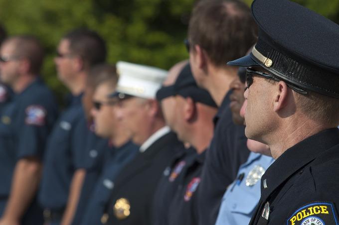 警察官がカードローンでお金を借りる時注意すべき3つのこと